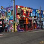 Buntes Haus am Straßenrand von L.A.  © Tanja Banner